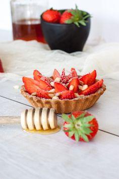 Tartelette fraise, miel & pignons
