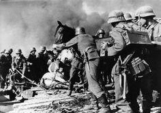 Cruzando el río de las tropas alemanas...