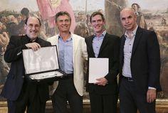 Junto al nuevo director del Teatro Colón, Darío Lopérfido en un acto realizado en el Salón Blanco del Palacio Municipal,