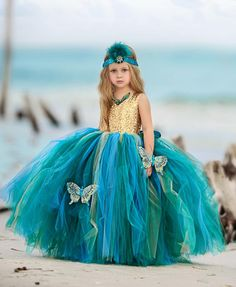 Must Have of the Day: Mermaid princess ball gown flower-girl dress gown Little Girl Pageant Dresses, Princess Tutu Dresses, Princess Ball Gowns, Gowns For Girls, Pageant Gowns, Girls Dresses, Flower Girl Dresses, Flower Girls, Long Dresses