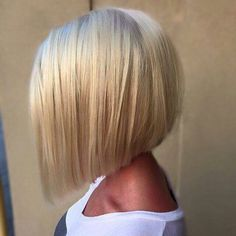 Classic a-line bob hairstyle for fine hair bob, 21 Eye-catching A-line Bob Hairstyles - Styles Weekly Graduated Bob Haircuts, Blonde Graduated Bob, Blonde Angled Bob, Graduated Bob Medium, Medium Blonde Bob, Edgy Bob, Medium Hair Styles, Long Hair Styles, Short Hair Styles For Round Faces