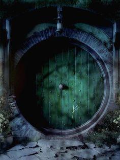 The Hobbit: An Unexpected Journey Bilbo Baggins Door Poster Rachel Gandalf, Legolas, Casa Dos Hobbits, The Magic Faraway Tree, Concerning Hobbits, Into The West, Bilbo Baggins, Thorin Oakenshield, Hobbit Tattoo