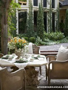 Beautiful backyard ideas and a garden design with a gorgeous outdoor furniture and decor showing a fusion of classic English and French styles give great inspirations for adding elegance and comfort to your outdoor rooms Outdoor Areas, Outdoor Rooms, Outdoor Dining, Outdoor Furniture Sets, Outdoor Decor, Dining Tables, Dining Furniture, Fine Dining, Dining Area