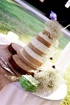 rustic cake on stumps for cake stand
