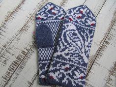 Купить Варежки вязаные ручной работы  женские с орнаментом Снегири - орнамент, синий, сине-белый