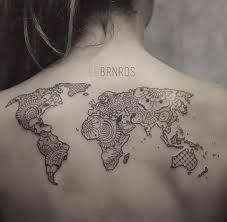 Resultado de imagem para tatuagem de mapa mundi