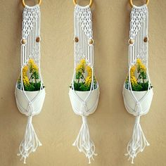 Macrame plant hanger for against a wall Macrame Design, Macrame Art, Macrame Projects, Macrame Knots, Etsy Macrame, Macrame Plant Hanger Patterns, Macrame Plant Holder, Macrame Patterns, Pots