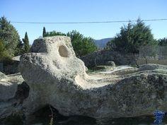 Sieteiglesias, está constituido por dos áreas. Está datada entre los siglos IX y XI. Forma parte del Plan de Yacimientos Visitables de la Comunidad de Madrid. sieteiglesias 4.jpg