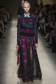 Valentino Spring Summer 2014 - Paris