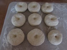 Šišky s džemom - recept   Varecha.sk Doughnut, Rum, Desserts, Basket, Tailgate Desserts, Deserts, Postres, Rome, Dessert
