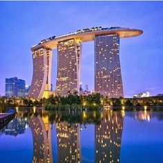 Beautiful view of Marina Bay Sands in Singapore. #singapore #marina #marinabay #anitta #beyonce #jayz #asia #tour #show #hotels #hotellife #hotelaria #travels #travel #travelblog #travelbloggers #instatravel #hoteis #travelandlife #travellingthroughtheworld #travelvlog #luxuryrealestate #luxuryhome #luxurytravel #luxuryhotel #luxurybrand #airportlife #travelling #localrealtors - posted by GoIN Hotels https://www.instagram.com/goinhotels - See more Real Estate photos from Local Realtors at…