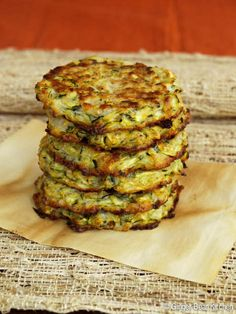 Baked Zucchini Fritters - a perfect blend of grated zucchini, breadcrumbs and a little bit of egg. Wheat Free Recipes, Veggie Recipes, Appetizer Recipes, Vegetarian Recipes, Healthy Recipes, Appetizers, Healthy Kids, Healthy Living, Baked Zucchini Fritters