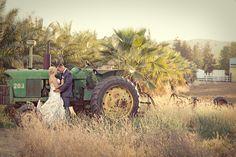 garden wedding, country wedding, wedding picture, wedding tractor, wedding groom