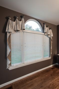 Dress up your windows by depending on our designers for custom window treatments in St. We know how to revitalize your living areas. Sunroom Window Treatments, Farmhouse Window Treatments, Custom Window Treatments, Window Coverings, Shaped Windows, Arched Windows, St Louis, Boho Dekor, Living Room Windows