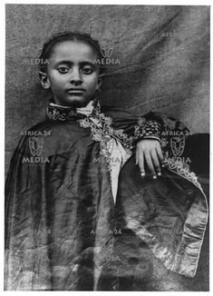 Haile Selassie (the last Ethiopian emporer) was born in 1892 at the city of Harar;Ras Tafari Makonnen ,as he was then known became regent in ascended the throne in 1930 as Haile Selassie Haile Selassie, African Culture, African American History, Belle Epoque, Ethiopian People, Jah Rastafari, Black Royalty, African Royalty, Lion Of Judah