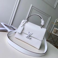 Buy Louis Vuitton, Vuitton Bag, Wattpad, Louis Vuitton Shoulder Bag, Luxury Bags, Cowhide Leather, Smooth Leather, Purses And Bags, Dior