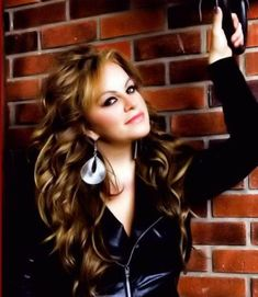 Discover and share Quotes De Jenni Rivera. Explore our collection of motivational and famous quotes by authors you know and love. Jenni Rivera, Zooey Deschanel, Celebrity Travel, Celebrity Couples, Celebrity News, Curled Hairstyles, Cool Hairstyles, Divas, Cabello Zayn Malik