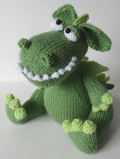 Griff the Dragon Knitting Pattern