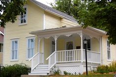 Betsy/Maud's house by cubfanbudwoman, via Flickr.  Many other photos from 2012 Betsy Tacy Convention.