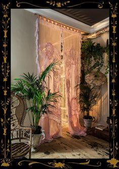 Hauskleid Vorhänge von Sera & Sestra – Sera of London Aesthetic Room Decor, Dream Rooms, Luxurious Bedrooms, My New Room, Home Deco, Interior And Exterior, Interior Ideas, Bedroom Decor, Bedroom Ideas