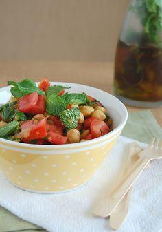 Chickpea, tomato, lemon and mint salad / Salada de tomate, grão-de-bico, limão siciliano e hortelã