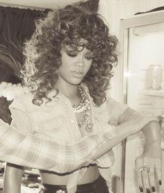 Rihannas hair >>>>