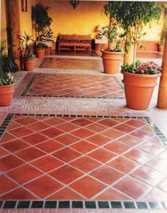 Love the floor! Mexican Style Homes, Hacienda Style Homes, Mexican Home Decor, Spanish Style Homes, Spanish House, Spanish Kitchen, Mexican Patio, Mexican Hacienda, Ceramica Exterior
