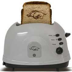 SHUT THE FRONT DOOR!!!! A Razorback toaster! Definitely on my must have list. ;)