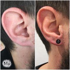Pose d'un bijou @gorillaglass de 6mm d'épaisseur par @lechugaviolenta permettant de donner plus de volume au lobe et à changer la forme en plus du port d'un ornement fait main d'un verre noir de toute beauté ! Pour tous vos projets de piercing grosse taille n'hésitez pas à nous contacter !  #mubodyarts #mustardcity #dijonpiercing #piercingdijon #highquality #piercing #bodymod #jewelry #dijon #bodyjewelry #bijoux #glassjewelry #highquality