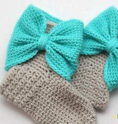 [Free Pattern] These Are The Cutest Bow Cuff Slipper Boots Ever!