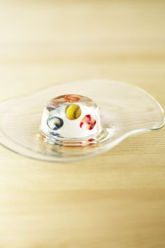 """Toraya released a limited namagashi called """"Vidro ball"""" -likened to marbles floating in transparent agar. Marbles have a sense of fun, glitter, and cool candy feeling for summer. August 2012 release period"""