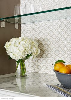 Walker Zanger Clover Mosaic in White Crackle with Statuary Grigio