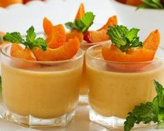 Mousse légère aux abricots : http://www.fourchette-et-bikini.fr/recettes/recettes-minceur/mousse-legere-aux-abricots.html