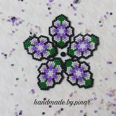 Her kalp kendi içindeki çiçeğin kokusunu verirmiş..  ... #miyuki #miyukibracelet #miyukinecklace #kolye #bileklik #taki #takı #handmade #elyapımı #flowers #çiçek #cicek #beading #peyotestitch #instamoda #instagood #jewellery #jewelry #handmadejewelry #fashion Beaded Brooch, Beaded Rings, Stitch 2, Brick Stitch, Hobbies And Crafts, Beading Patterns, Projects To Try, Beads, Beadwork