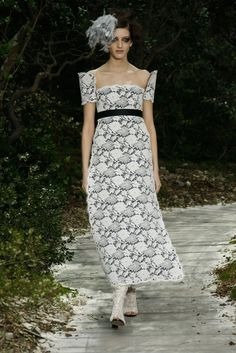 Having a hard time picking out  Chanel faves  disappointed in the collection this year... Paris Haute Couture Week: Chanel SS2013