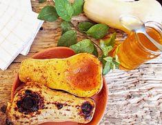 10 rețete cu dovleac pe care să le faci toamna aceasta | Bucate Aromate Gluten, Chocolate, Mai, Breakfast, Ethnic Recipes, Vegans, Morning Coffee, Schokolade, Chocolates