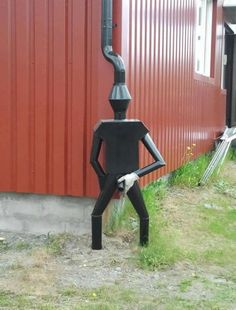 this is so funny. would love it at the corner of the shed. 30 Amazing Downspout Ideas, Splash Guards, Charming Rain Chains and Creative Rain Ropes Going To Rain, Ideias Diy, Outdoor Projects, Outdoor Crafts, Outdoor Art, Yard Art, Funny Photos, Funny Images, Outdoor Gardens