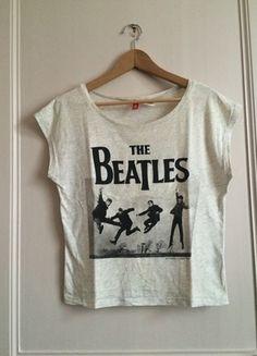 A vendre sur #vintedfrance ! http://www.vinted.fr/mode-femmes/hauts-and-t-shirts-t-shirts/21435822-t-shirt-imprime-beatles-hm