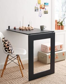 Wandtisch selber bauen Folding table and mirror / picture with frame in a DIY tutorial Tiny Apartment Living, Apartment Hacks, Apartment Furniture, Dining Furniture, Home Furniture, Furniture Design, Apartment Therapy, Apartment Design, Furniture Ideas