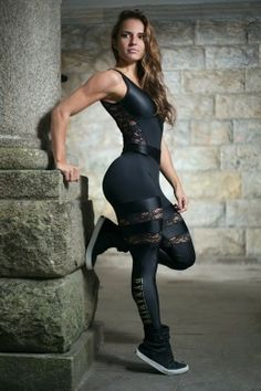 Read fitness articles & learn how to lose belly fat, how to gain muscle, how to sleep better, & learn about nutrition. Workout Attire, Workout Wear, Workout Jumpsuit, Sport Fitness, Fitness Models, Fit Women, Sexy Women, Yoga Training, Estilo Fitness