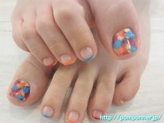 Foot nail fine French pop of color