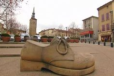 Romans-sur-Isère - In 1914 was the French capital of shoemaking with 5000 workers. It fell to 1000 in 1974. ...photo wikipedia - Drôme dept. - Rhône-Alpes région, France ..francejeditoo.com