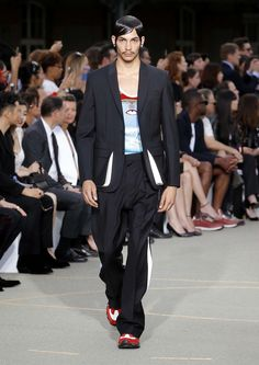 Givenchy Spring 2017 Menswear Collection Photos - Vogue