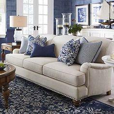 99 cozy and stylish coastal living room decor ideas (68)