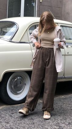 Retro Outfits, Cute Casual Outfits, Vintage Outfits, Aesthetic Fashion, Aesthetic Clothes, Aesthetic Outfit, Fashion Pants, Fashion Outfits, Fashion Women