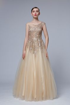 luxusné šaty pre jarný typ Prom Dresses, Formal Dresses, Salons, Ball Gowns, Fashion, Dresses For Formal, Ballroom Gowns, Moda, Lounges