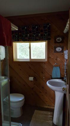 Second Bathroom Weekly Rentals, Toilet, Bathtub, Cottage, Bathroom, Standing Bath, Washroom, Flush Toilet, Bathtubs