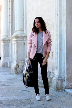 pastel jacket coat blogger outfit casual chic Stradivarius The Fashion Carousel