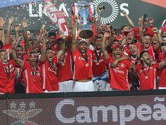 """Benfica em destaque no jornal """"Marca"""""""