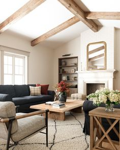 Home Interior Design, Interior Architecture, Interior Decorating, Interior Ideas, Exterior Design, Attic House, House Rooms, Living Room Inspiration, Home Decor Inspiration